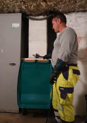 nettoyage colonne vide ordures hygiene immobiliere assainissement